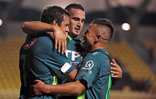 Un inspirado Wanderers golea en su primer encuentro del año