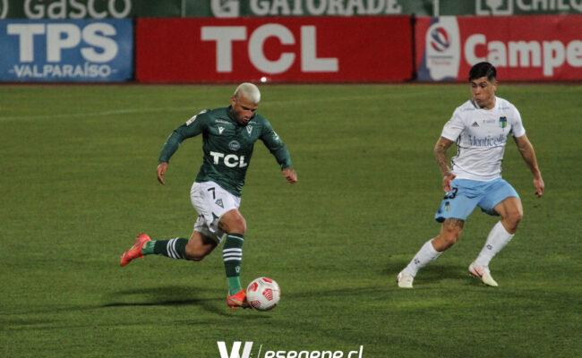 Primer punto para el Decano en el debut de Víctor Rivero